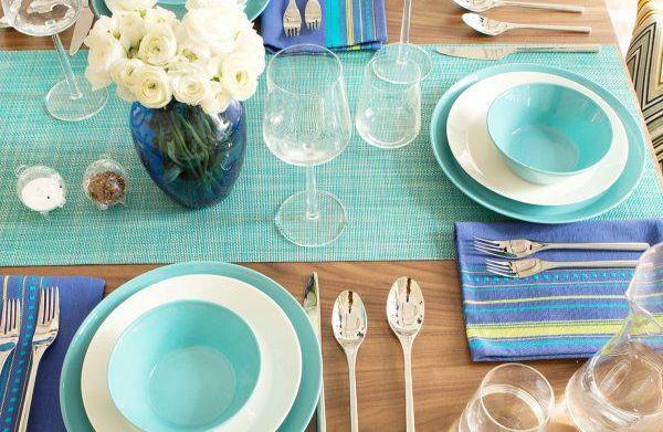 Styling an Effortless Spring Table