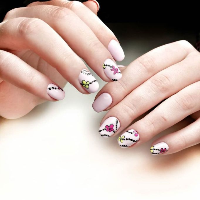 Flower Chains Nail Art