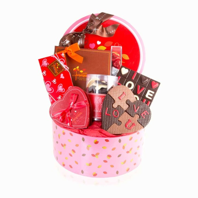Valentine's-Day-gifts-for-moms-to-be-and-dads-to-be