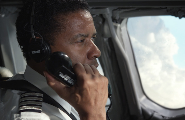 Flight movie review: Denzel goes on