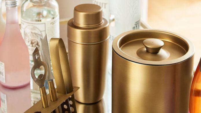 10 Stylish ways to incorporate metallics