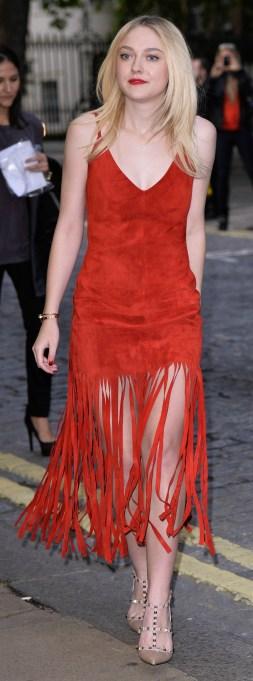 Dakota Fanning red dress and red lipstick