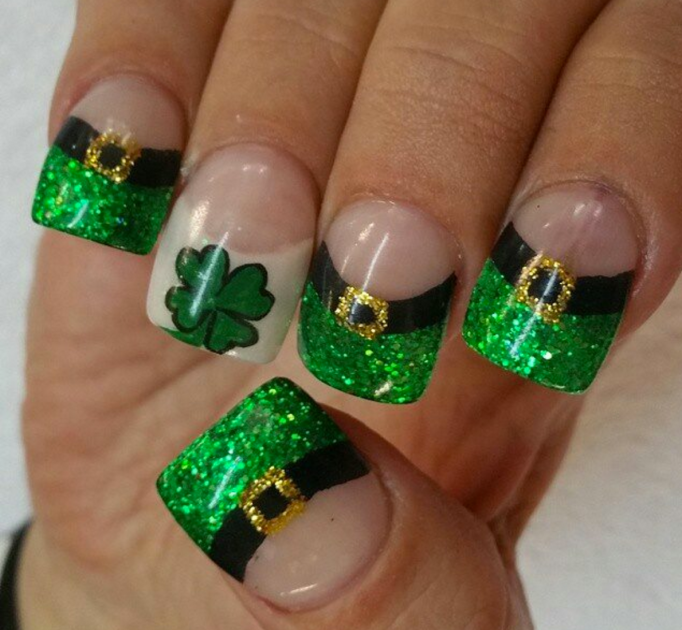 Leprechaun hat nail design