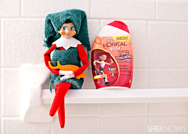 Elf on the Shelf idea 1: Elfie Rojo with floss and toothpaste