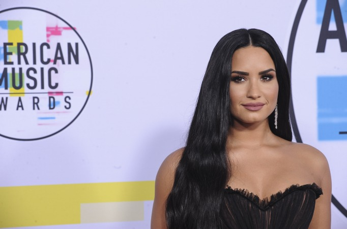 Demi Lovato attends the 2017 American Music Awards