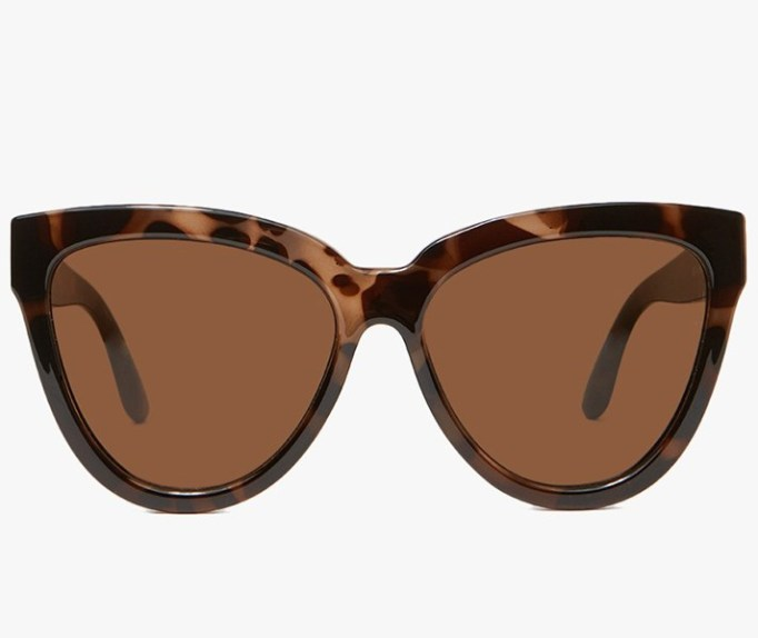 The Most Popular Sunglasses Styles: Le Specs Liar Liar Sunglasses in Volcanic Tort | Summer Fashion