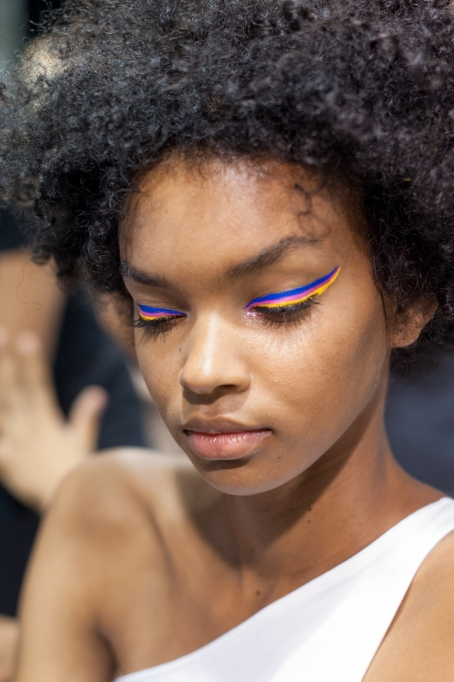 Fashion Month Looks That Work For Halloween: Triple Color Eyeliner | Halloween 2017