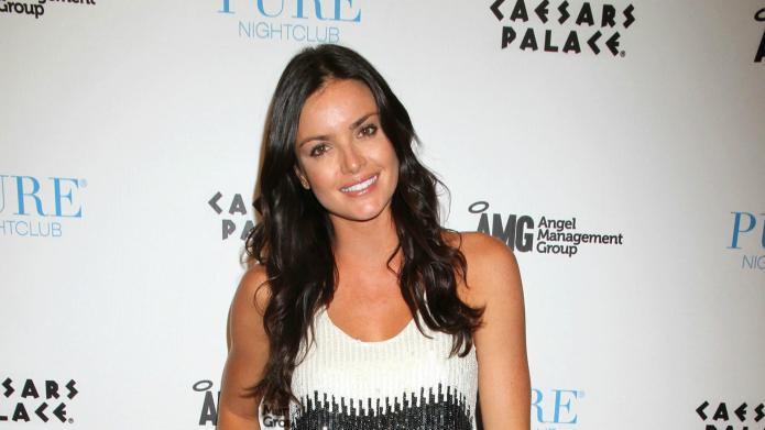 VIDEO: Courtney Robertson writes Bachelor tell-all