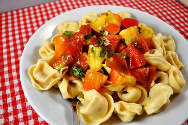 Tonight's Dinner: Tortellini with fresh tomato