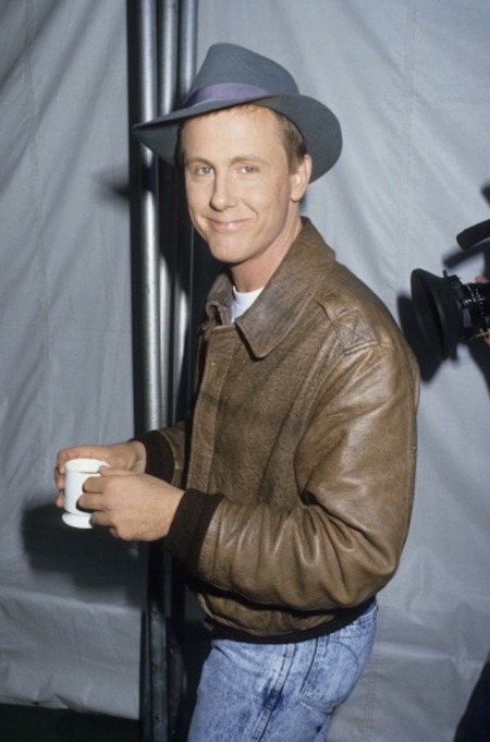 Actor Harry Anderson attends Comic Relief Benefit on November 14, 1987