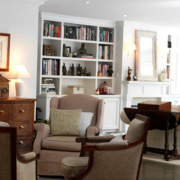 Using a bookshelf as home decor