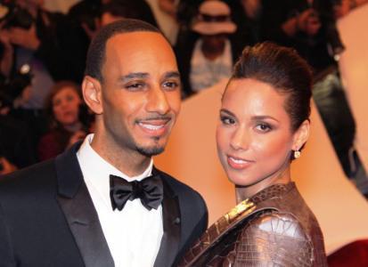 Alicia Keys pleads innocent to homewrecker