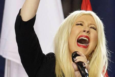 Christina Aguilera speaks about national anthem