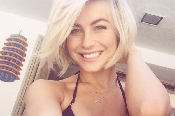 Julianne Hough selfie