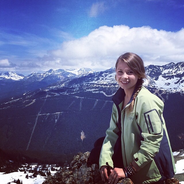 bindi-irwin-mountain