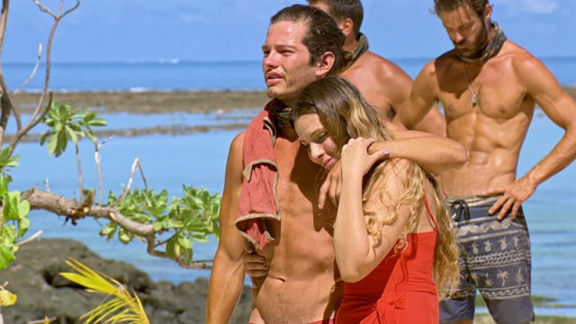 Jay Starrett with his sister during loved ones visit on Survivor: Millennials Vs. Gen-X