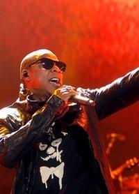 Jay Z rocks Yankee Stadium