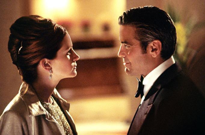 Julia Roberts and George Clooney in 'Ocean's Eleven'