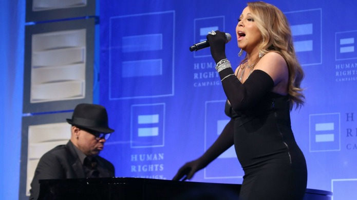 Mariah Carey infuriates fans with new