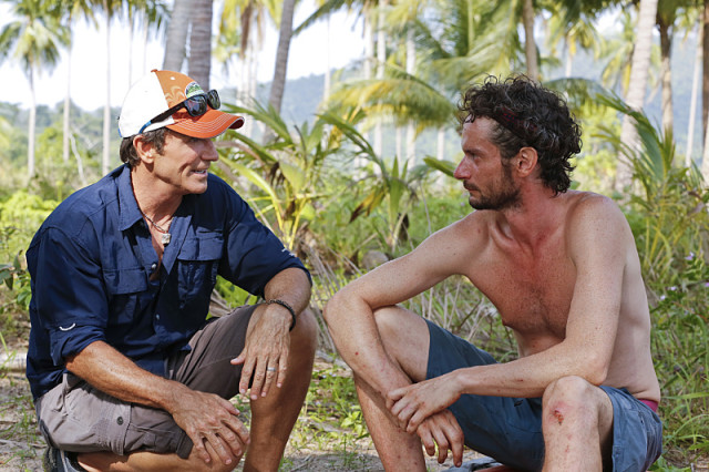Jeff Probst talks with Neil Gottlieb about his injuries on Survivor: Kaoh Rong