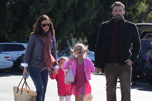 Jennifer Garner with family