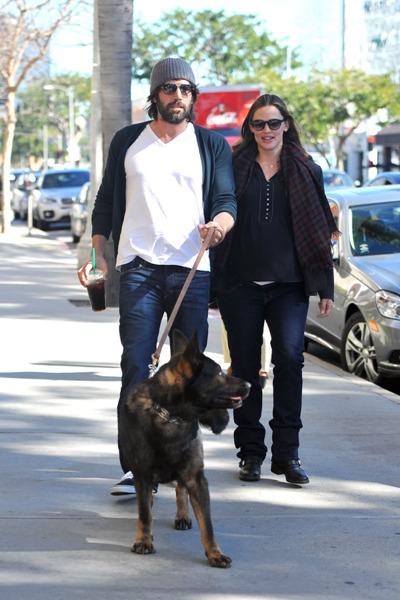 Jennifer Garner and Ben Affleck with dog