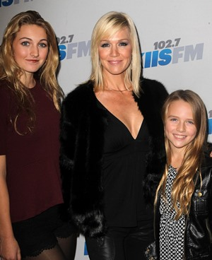 Jennie Garth and daughters