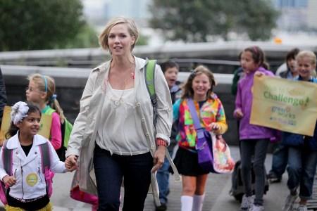 Jennie Garth walks NYC kids to school