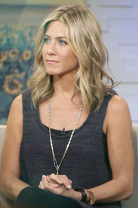 Jennifer Aniston visits breast cancer patients