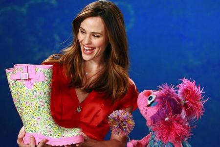 Jennifer Garner visits Sesame Street