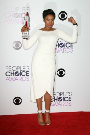 Jennifer Hudson delivers emotional acceptance speech at People's Choice Awards