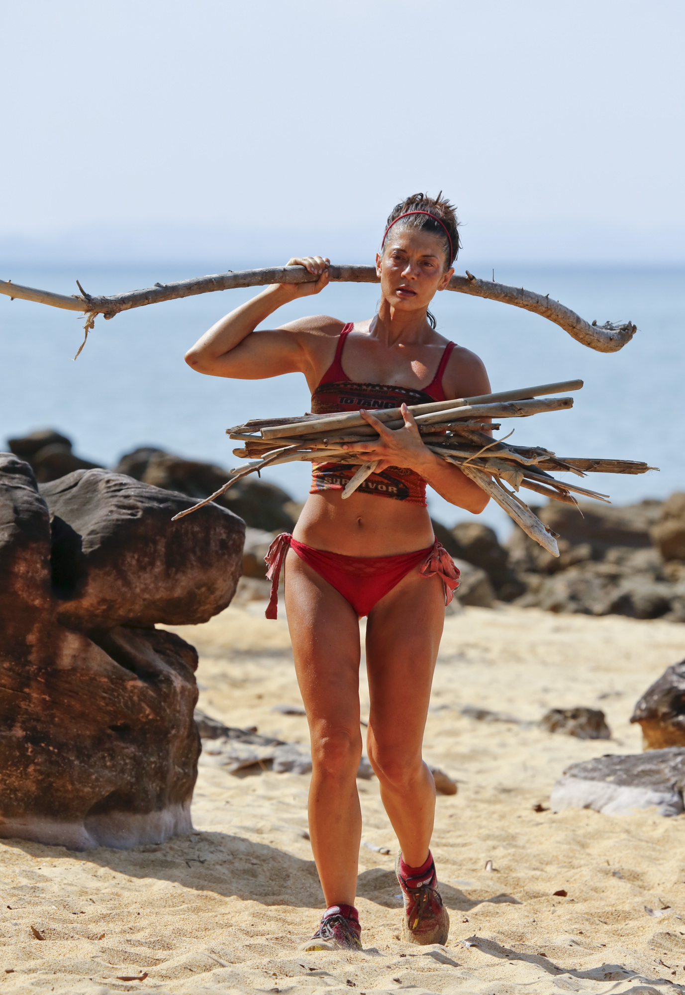 Jennifer Lanzetti works at Brawn camp on Survivor: Kaoh Rong