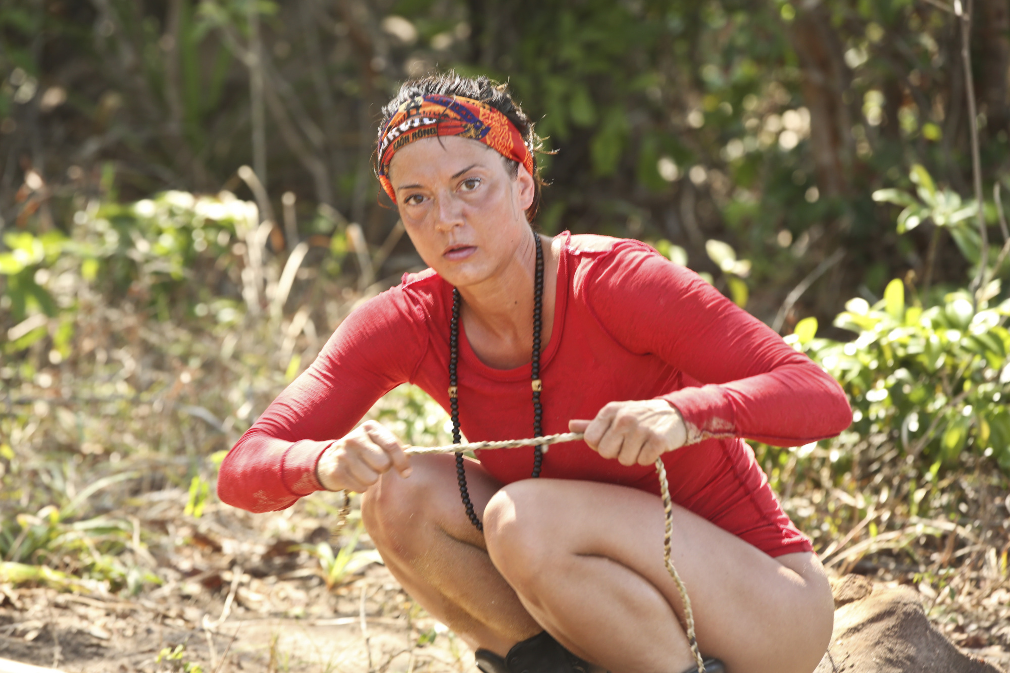 Jennifer Lanzetti works at Brawn tribe's camp on Survivor: Kaoh Rong