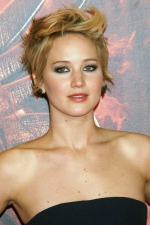 Jennifer Lawrence comforts crying fan