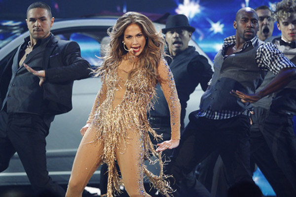 Jennifer Lopez performs at the AMAS