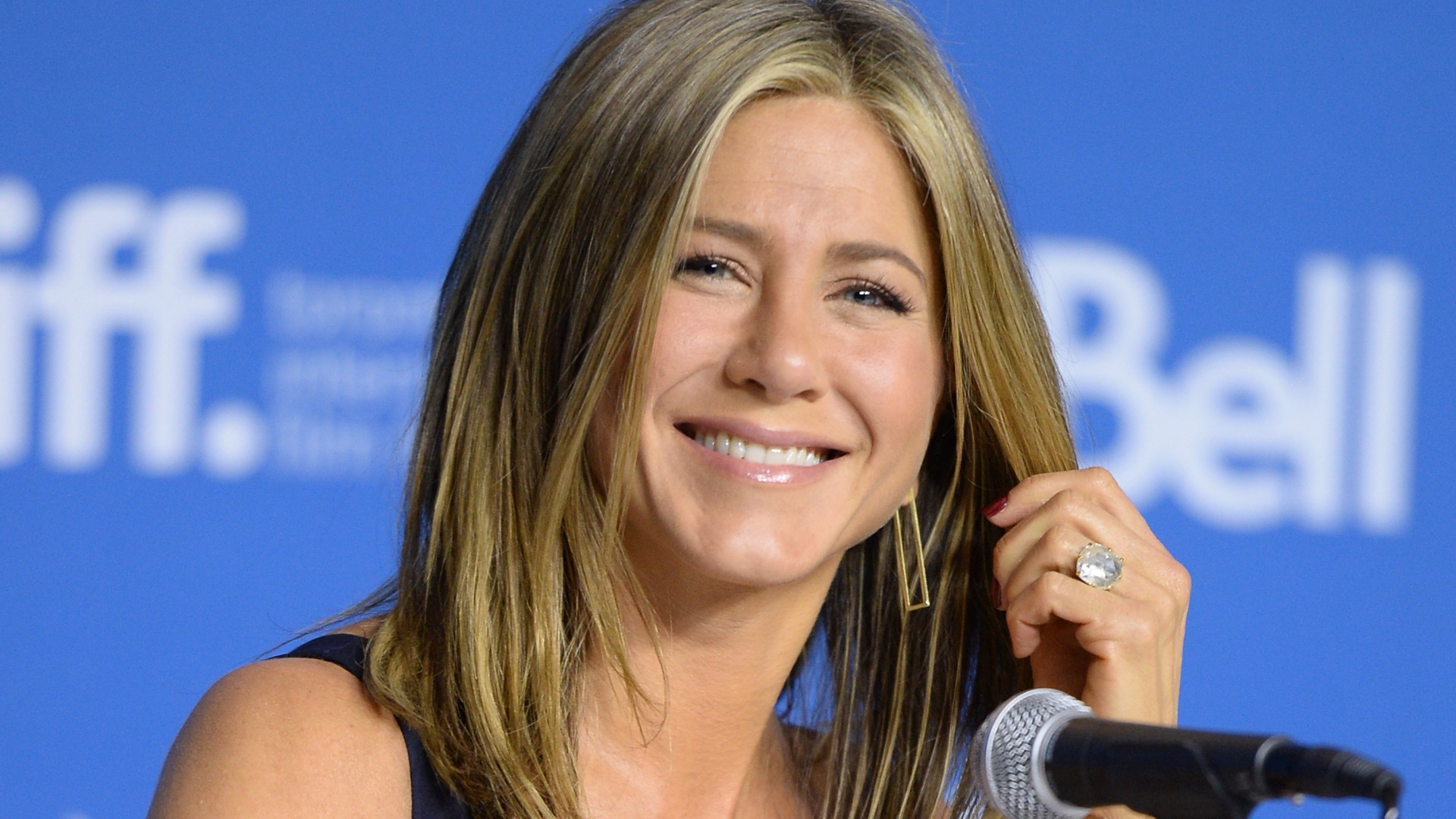 Will Jennifer Aniston win an Oscar for her new indie movie Cake?