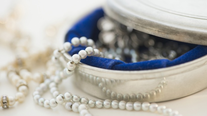 4 Staple jewelry pieces every woman
