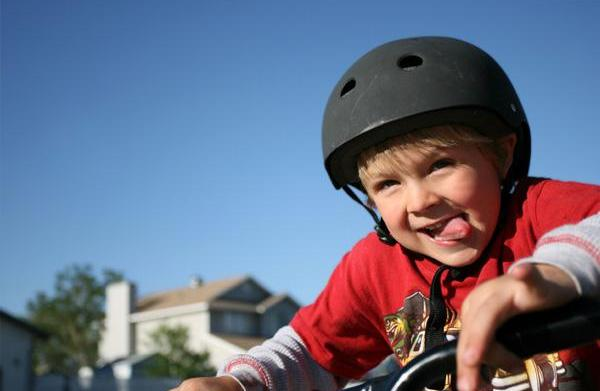 Cycling, in-line skating and skateboarding safety