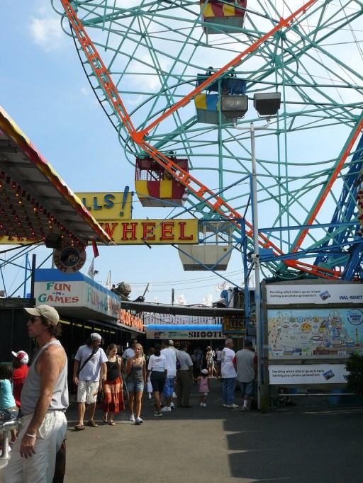 affordable-fall-getaways-coney-island-new-york
