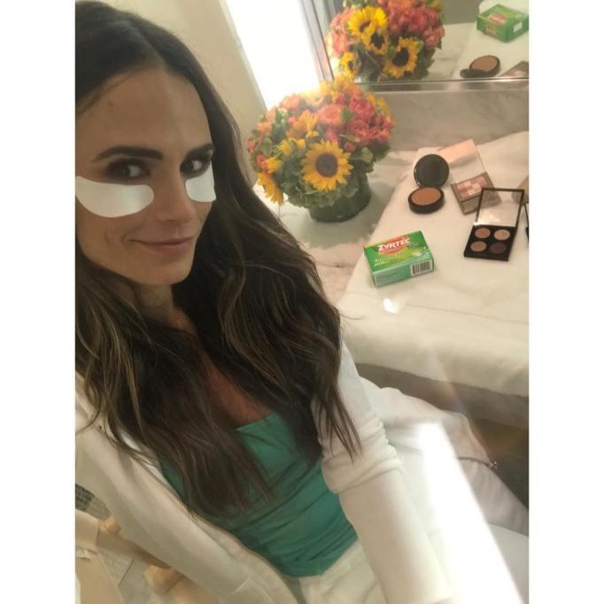 Creative Puffy Eye Remedies Celebrities Use | Jordana Brewster — Eye Gels With Sunglasses