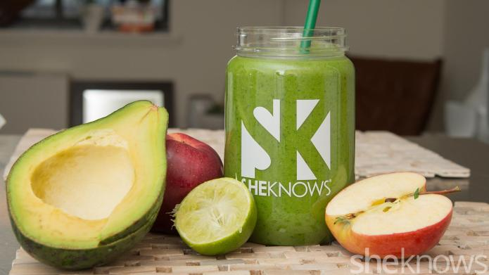 Make this holiday survival smoothie for