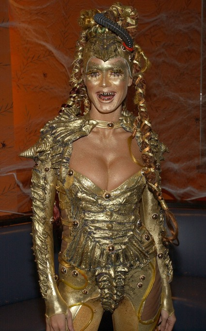 Heidi Klum's Halloween Costume: Golden goddess