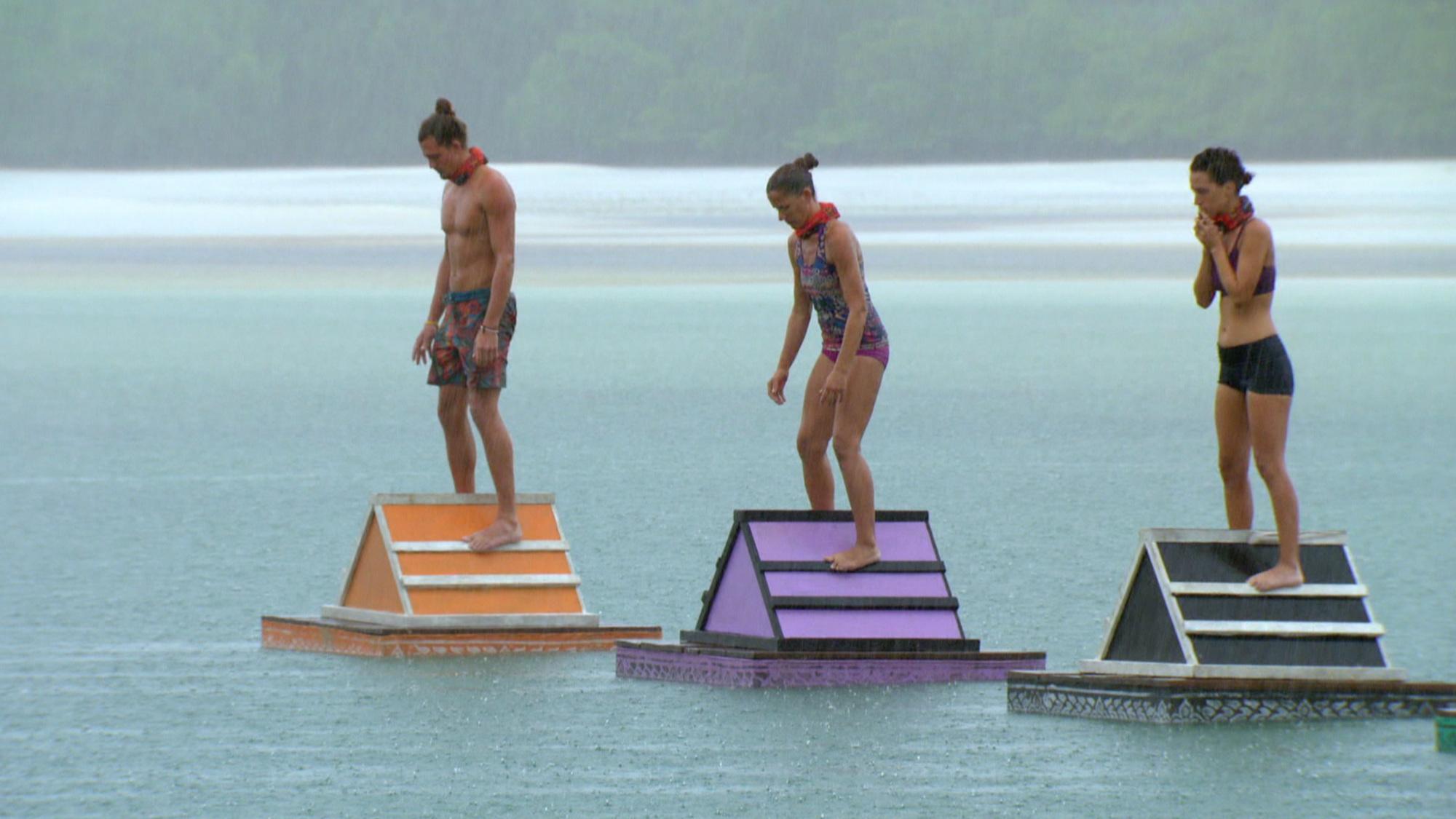Joe Anglim, Kelly Wiglesworth and Abi-Maria Gomes compete in Survivor: Second Chance challenge