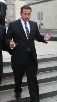 Jon Gosselin exits court a free man