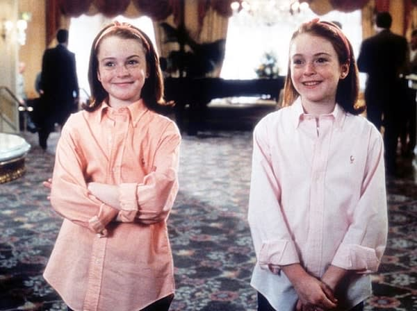 Photo of Lindsay Lohan as Hallie and Annie in pink and orange in 'The Parent Trap'