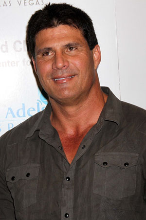 Jose Canseco tweets sexual assault accuser's name