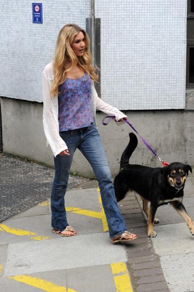 Joss Stone' with dog