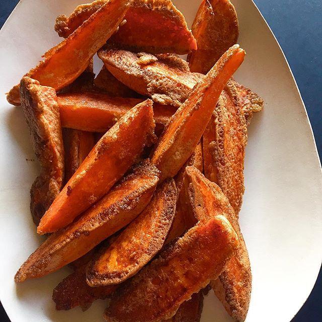 Chrissy Teigen Mouth Watering Recipes: Crispy sweet potato wedges   Celebrity Eats