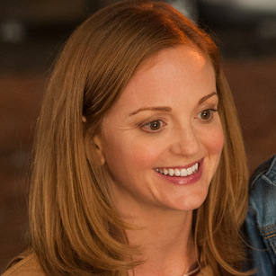 SheKnows smurfs with Glee actress Jayma