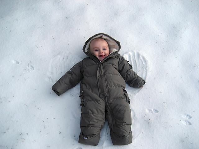 12 Adorable babies in winter gear